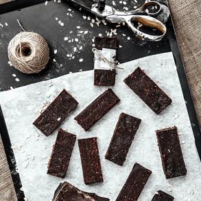 Bitter Çikolatalı Granola Bar